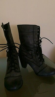 Ladies size 8 charcoal lace up boots