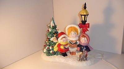 Vintage Ceramic Lighted Christmas Tree Table Top Lamp Light Carolers Dog & Bird