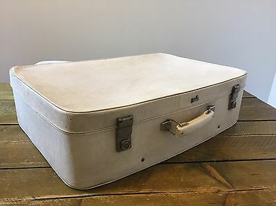 White Vintage Suitcase RETRO Shop Display Wedding Centre Piece Shabby Chic Trunk