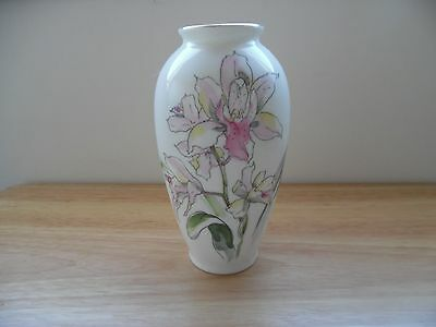 "Vintage Vase~Japan~Maker's Mark~Porcelain~Handpainted Floral~6"" H"