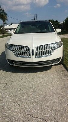 2010 Lincoln MKT AWD 2010 lincoln MKT SUV awd 75k white $13,900 owner