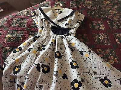 ~~Vintage Dress~~White, Black And Yellow Floral~~Gorgeous