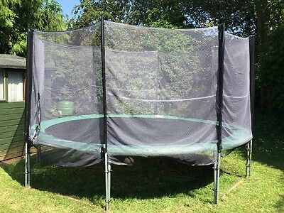 13ft Trampoline complete with enclosure