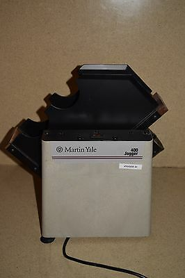 Martin Yale Model 400 Tabletop Paper Jogger (A1)