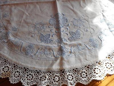 Vtg Large Round Linen Table Cover w/ Hand Embroidered Crochet Lace Edge