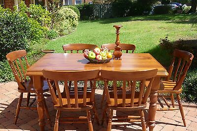 Immaculate oak dining table and chairs RRP $1500