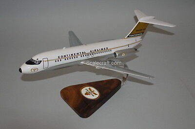 Continental Airlines DC-9 mahogany wood airplane scale model 1/72 scale