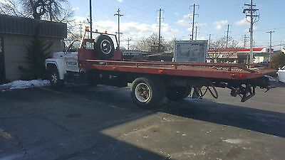 1985 Ford F-550  1985 FORD FLATBED TOW TRUCK