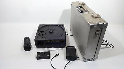 Kodak Carousel SAV 1030 Slide Projector with Carry Case and Remote NO Magazine