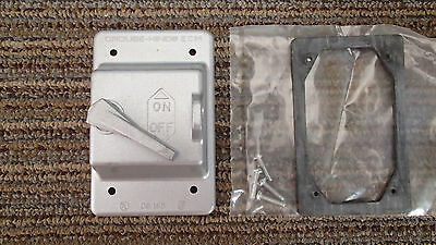 Crouse Hinds Co DS-185 Lever Die Cast Aluminum Locking Switch Cover
