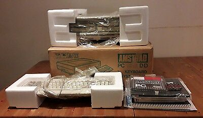 Amstrad  PC1512 DD caja, corcho, manuales, Disketts 5 1/4 Ms-Dos NOT TESTED