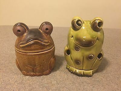 Set of 2 Stoneware Frog Toad Lunimary Tea Light Candle Holder Unique