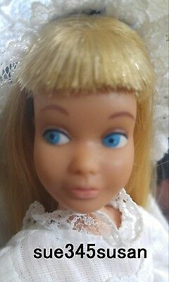 Vintage Barbie Skipper Blonde Doll #950 in #9746 Lacey Charmer & Partytime Comp