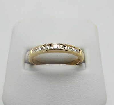 18Ct Yellow Gold Diamond Wedding Ring  Valued @$1134 Comes With Valuation