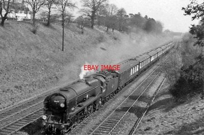 Photo  Sr West Country Loco 34010 Sidmouth 1960 Near Hook Railway Station Waterl