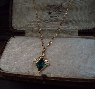 Vintage Emerald Green Diamond Crystal Pendant Necklace Gold Plated.