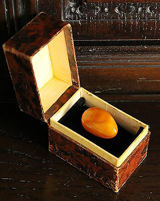 Antique/Vintage Egg Yolk Butterscotch Natural Baltic Amber Brooch in Box
