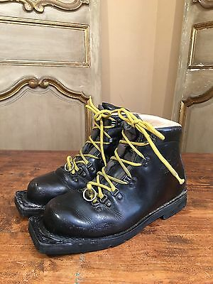VTG Asolo Sport Cross Country Ski Men's Boots Size 8.5 Italy 3 Pin Nordic Prop