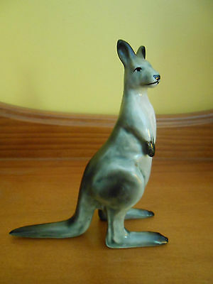 VINTAGE DARBYSHIRE KANGAROO  Excellent condition    (Happy to Post )