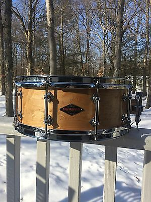 CRAVIOTTO LIMITED Custom Shop, Birdseye Maple Snare Drum. CRCUS1455FGBEM 5.5x14