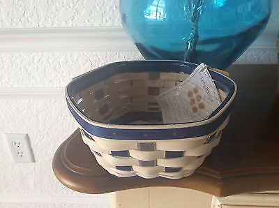 "Longaberger 2016 Generations Basket 8"" with protector"