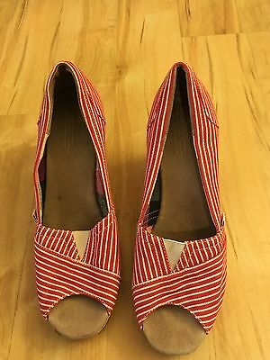 Cute Toms of Maine Red Stripe Wedge Shoes Size 9.5