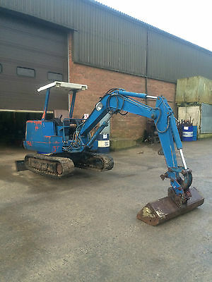 Nissan 3 ton mini digger spares or repairs jcb kubota hitachi
