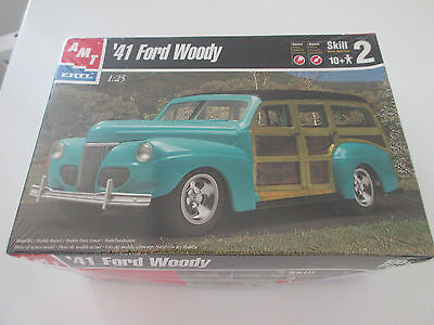 1941 Ford Woody AMT model kit 1:25 scale