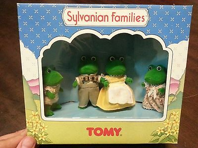 Sylvanian Families Frog Family 4 members Unused and boxed.Vintage TOMY LAST LOTS
