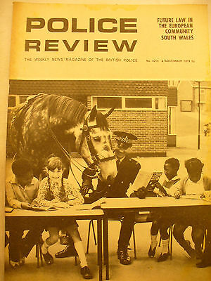 POLICE REVIEW WEEKLY NEWS 2ND NOVEMBER 1973 ex and original