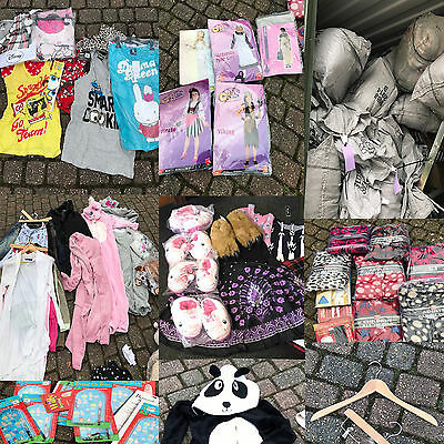 Wholesale Job Lot Men Ladies Kid Clothing & Accessories Car Boot Market Stall