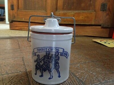 Vintage Bicentennial 1776-1976 Stoneware Cheese/butter crock with lid and seal