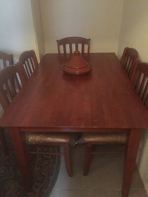 Dining Table with 6 Chairs Wooden Like New