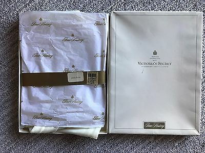 af2c3e3c67 Vintage Victorias Secret Sexy Hosiery London 2 pair Boxed Thigh High CREAM  SMALL
