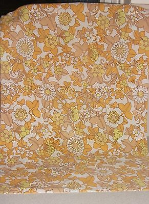 VINTAGE RETRO  60s/70s DORMA  FLOWER POWER  SMALL  PIECE OF FABRIC YELLOWS/GOLDS