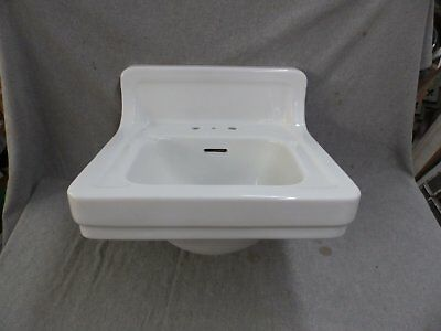 Vtg Mid Century Ceramic White Porcelain Wall Mount Bath Sink Standard 178-17E