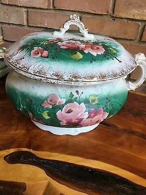 Vintage Victorian green ,Pink and White With Gold. Roses. Covered Chamber Pot