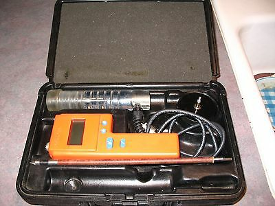 Delmhorst F-2000 Hay Moisture Meter Kit with Case  USED