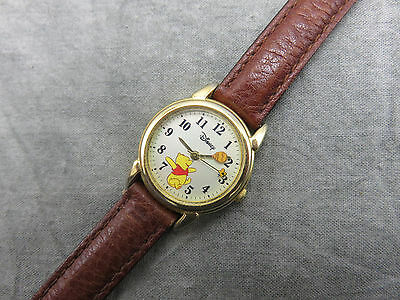 Vintage Disney Pooh Watch MU0116 Rotating Honey Pot Hands Leather Band 241f