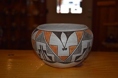 Superb Vintage Handcoiled Traditionally Fired Acoma Pueblo Bowl!! Free Shipping