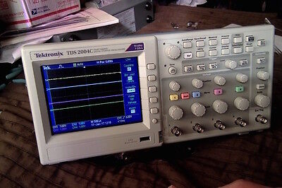 Tektronix TDS2004C oscilloscope and probes