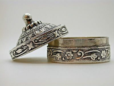 Vintage Hand Made & Intricately Designed Medical Silver Box Collectable 22.9g