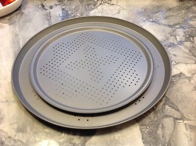 Perforated pizza pan - set of 2