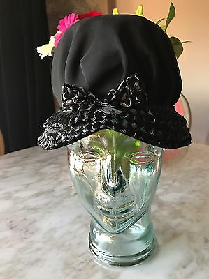 Beautiful Vintage Ladies Hat Cloche Black Straw Brim Union Made USA
