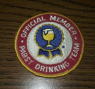 vintage PABST DRINKING TEAM patch OFFICIAL MEMBER beer collectable 3 1/4 inches