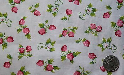 1 + yd 1940's floral print cotton fabric, light pink with strawberries