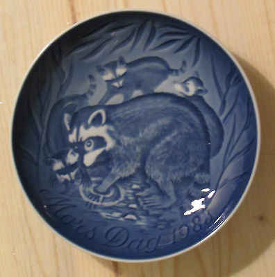 Racoon with Cubs 1983  Mothers Day plate Bing Grondahl   B&G raccoon