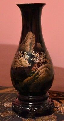 """Antique Chinese Black Wood Lacquer 8"""" Vase With Beautiful Landscape Scene"""