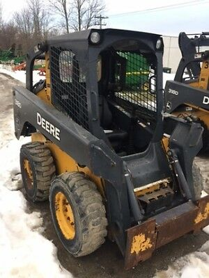 2013 John Deere 318D Skid Steer Loader