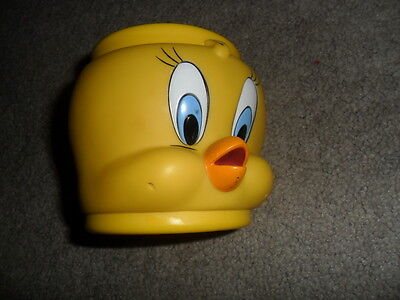 Looney Tunes Warner Bros Yellow Tweety Bird Plastic Cup Mug Collectible Item NEW